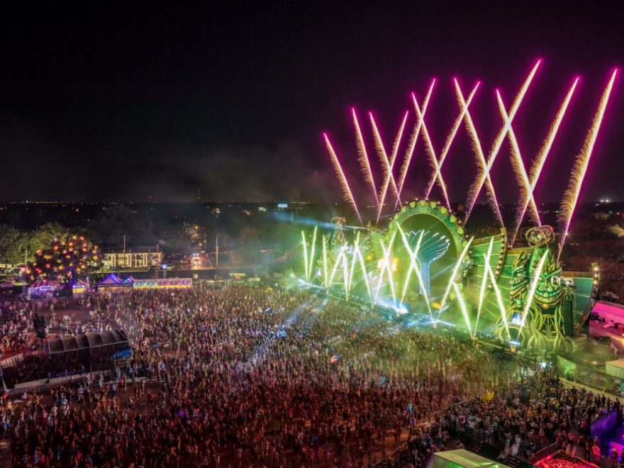 BREAKING: EDC Orlando Main Stage Catches On Fire During